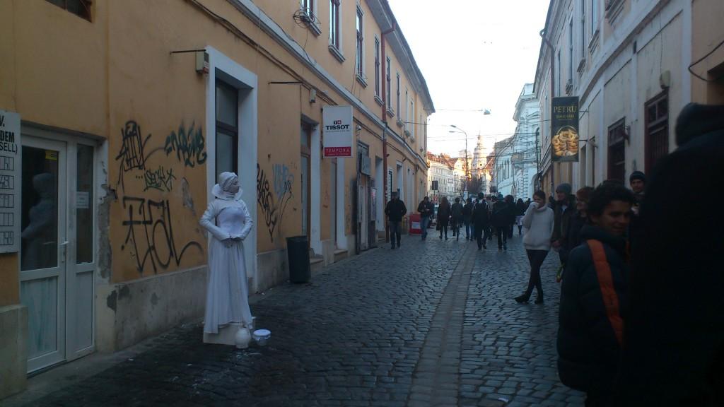 statuia si strada