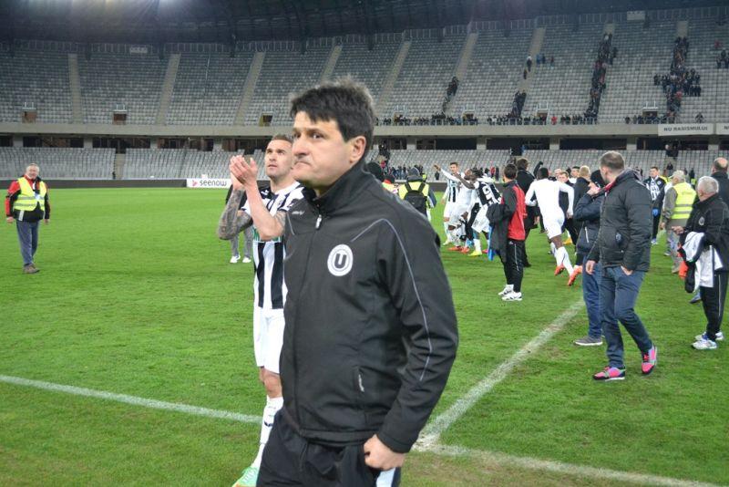 """Falub este foarte agitat în timpul meciurilor și mai scapă câteva """"vorbe de bine"""" printre dinți"""
