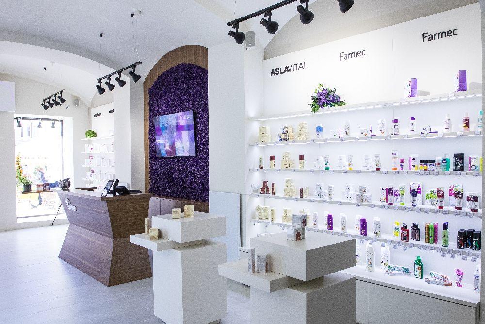 magazinul-farmec-din-brasov-interior-bun